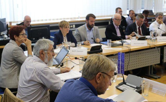Na razpis za položaj direktorja Televizije Slovenije so se prijavili štirje kandidati. FOTO: Tomi Lombar