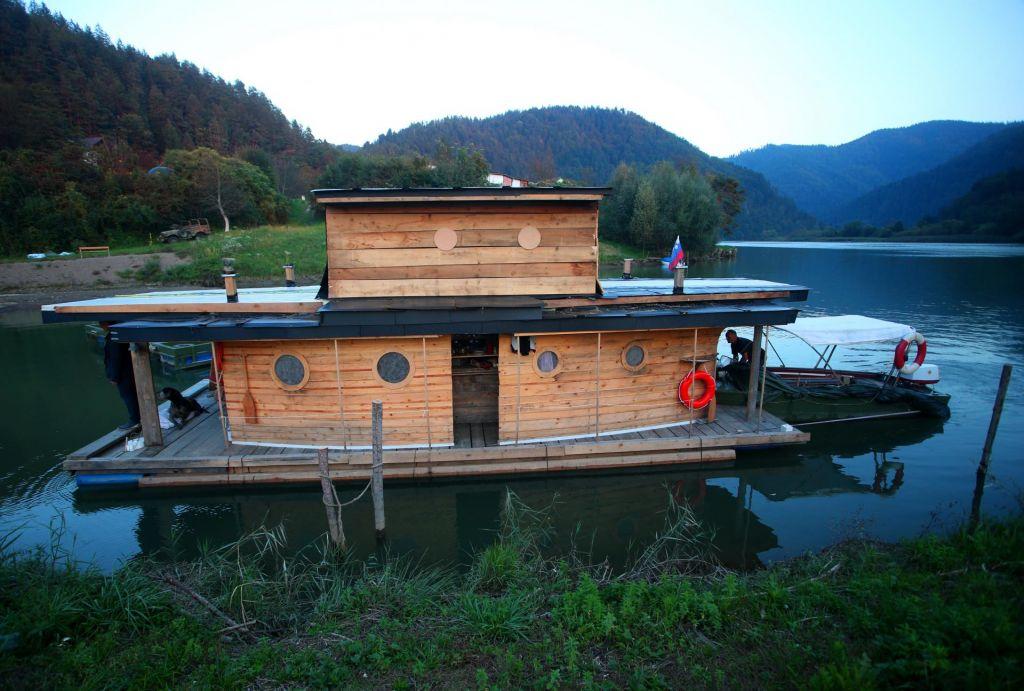Graditelja lesene ladje odslovili z Mute