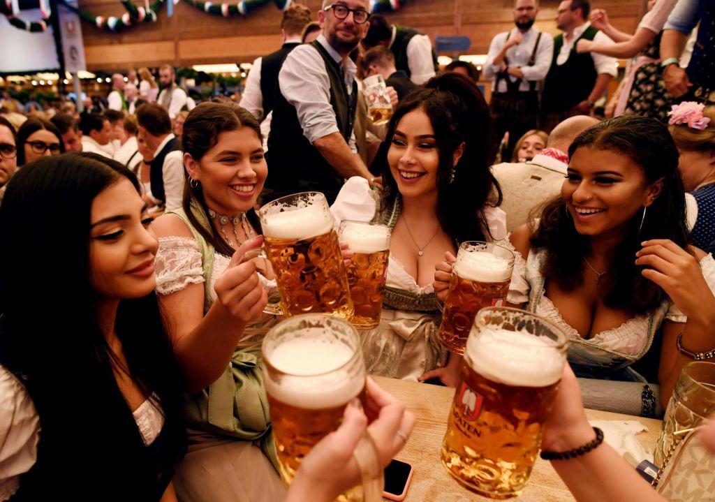 FOTO:Vse, česar niste vedeli o največjem festivalu piva