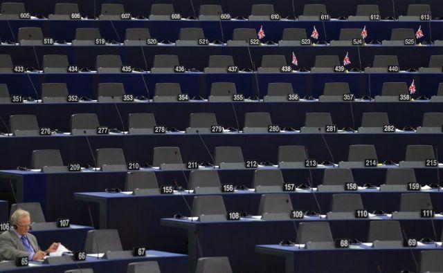 Poslanske klopi v evropskem parlamentu FOTO: Reuters