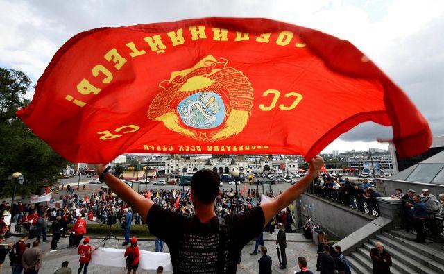 Nezadovoljstvo nad reformami so nekateri izražali na protestih po več ruskih mestih. Foto: Reuters