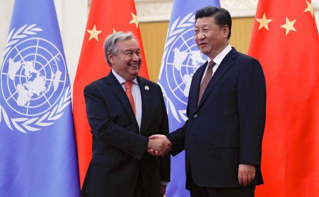 Generalni sekretar združenih narodov Antonio Guterres in kitajski predsednik Xi Jinping, ki letos ni odpotoval v New York. FOTO: Reuters