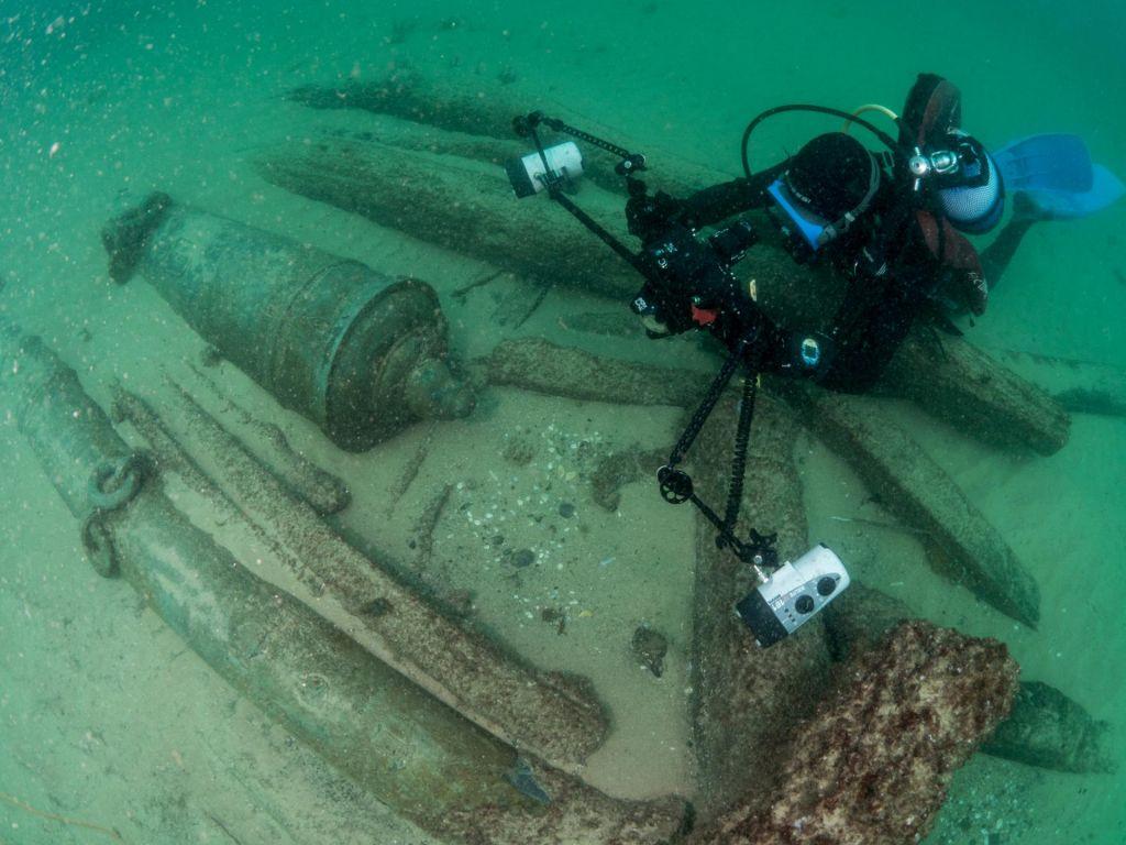 FOTO:Odkritje desetletja: ob obali Portugalske našli 400 let stare ladijske razbitine (FOTO)