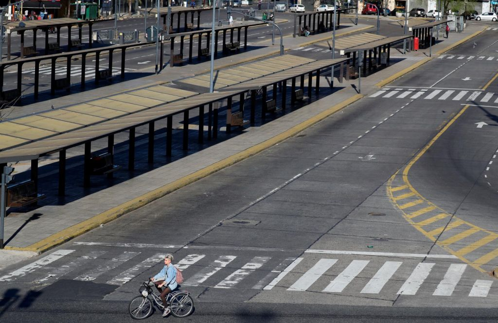 Nezadovoljni Argentinci ustavili državo