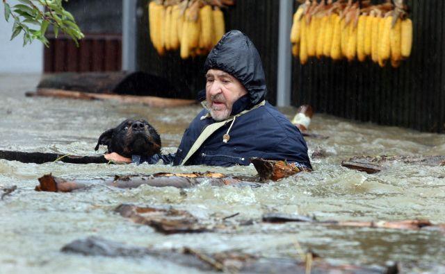Mnogi so v poplavah izgubili vse svoje premoženje. FOTO: Tadej Regent/Delo