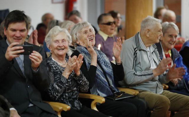 Ker se dolžina pričakovanega trajanja življenja ob rojstvu hitro povečuje, se poraja vprašanje, ali je tradicionalna meja 65 let, pri kateri so prebivalci uvrščeni med starejše, sploh še ustrezna. Foto Leon Vidic