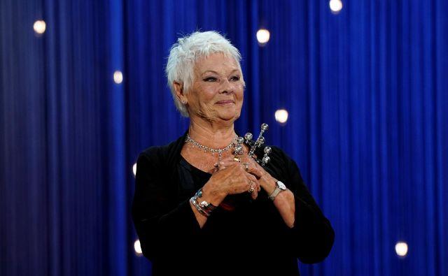Judi Dench je na filmskem festivalu v San Sebastianu prejela nagrado za življenjsko delo. FOTO: Vincent West/Reuters