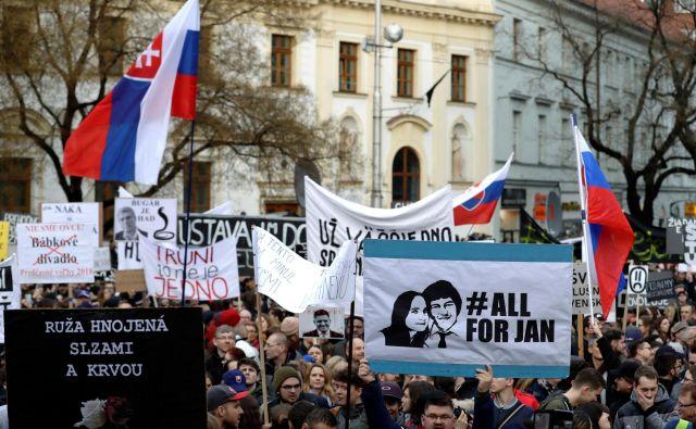 Na Slovaškem se kljub prijetju osumljencev napovedujejo novi protesti. FOTO: Reuters