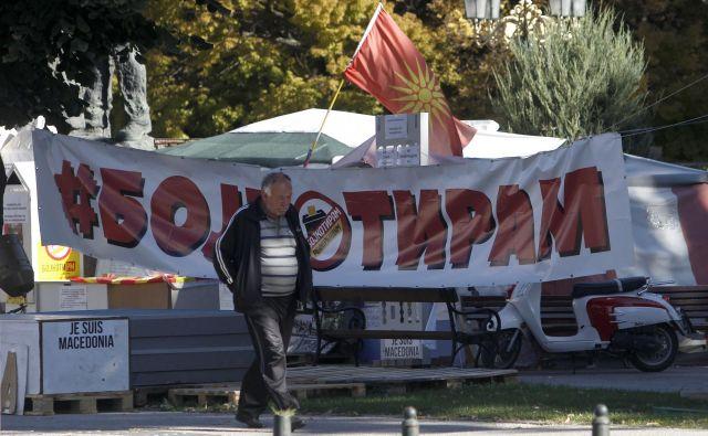 Tik pred referendumom o spremembi imena Makedonija v Severna Makedonija je v Skopju vse več pozivov k bojkotu referenduma. Foto Boris Grdanoski AP