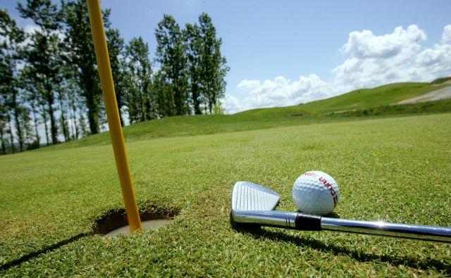 Povsod v državi so lahko golf igrišča, samo v turistični občini ne. Foto Blaž Samec