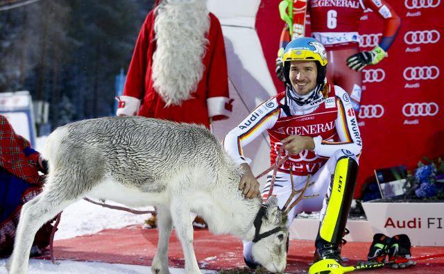Felix Neureuther je po lanski zmagi v Leviju dobil novega prijatelja. FOTO: AP