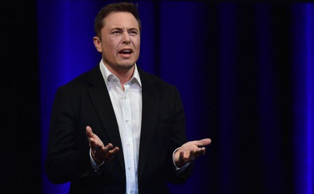 Elon Musk meni, da je tožba neupravičena. FOTO: Peter Parks/AFP
