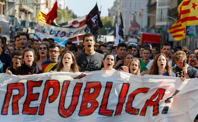 Katalonski 1. oktober leto pozneje. FOTO: Enrique Calvo/Reuters
