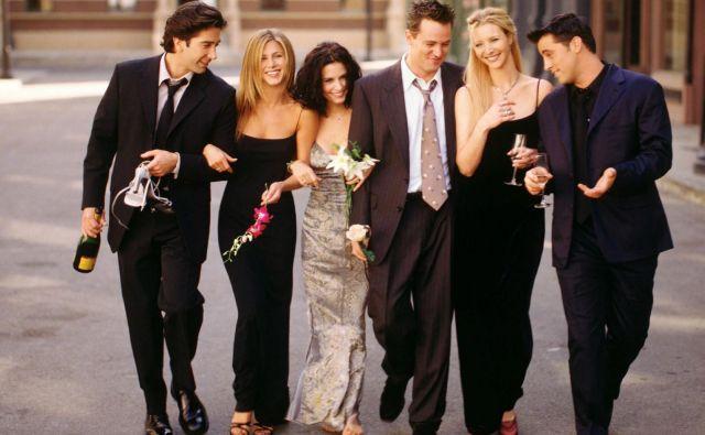Še vedno dvigajo največ prahu ugibanja o morebitni oživitvi enega izmed svetovno najuspešnejših sitcomov: <em>Prijatelji</em>. FOTO: promocijsko gradivo