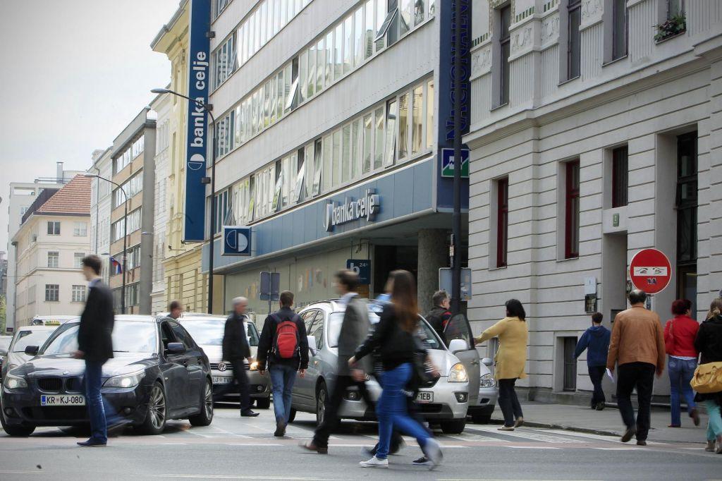 FOTO:Bančna razlaščenca na sodišču dobila prvo bitko za podrejene obveznice