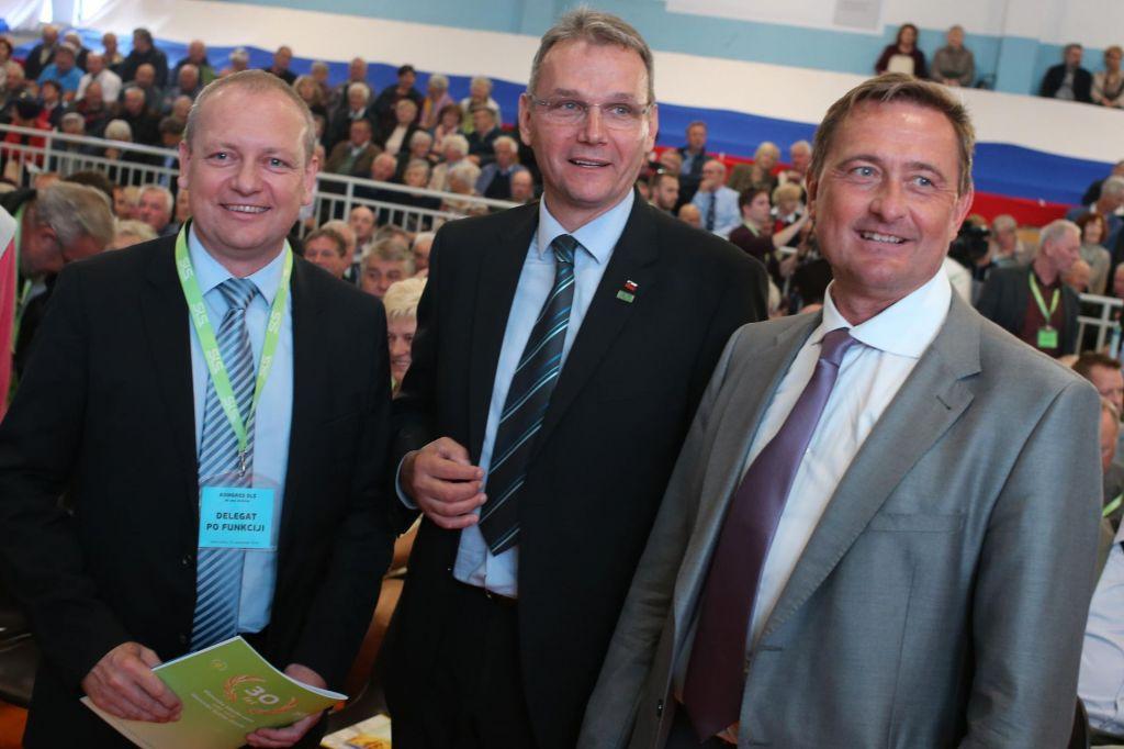 FOTO:Marjan Podobnik znova na čelu SLS, prepričan o vrnitvi v parlament