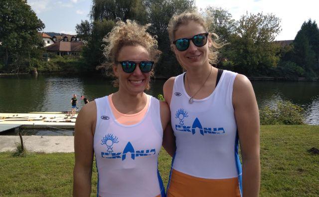 Ilka Štuhec in Anja Šešum sta popestrili pripravljalno obdobje za smučarsko sezono z veslaško regato. FOTO: M. F./Delo