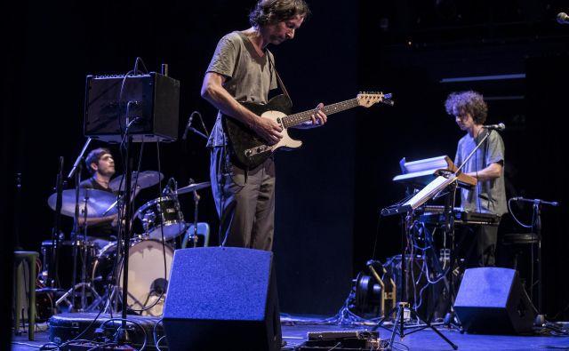 Trio Baldur sestavljajo harmonikar Marko Brdnik, kitarist Uroš Rakovec in bobnar Marko Lasič. Foto Uroš Hočevar
