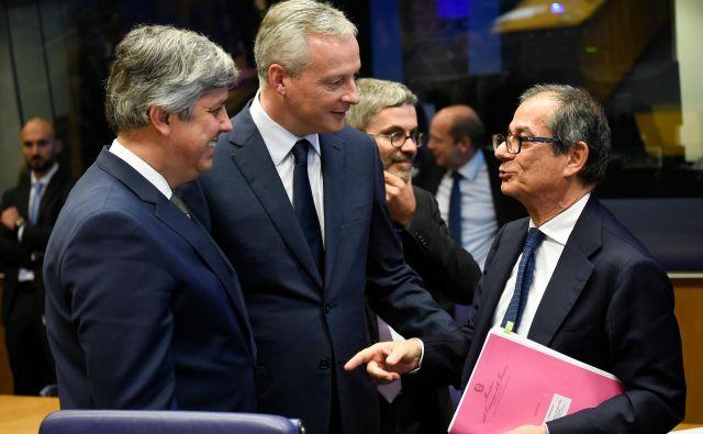 Finančni ministri so zaradi italijanskega dolga precej zaskrbljeni. Na fotografiji z leve: Mario Centeno, Bruno Le Maire in Giovanni Tria. Foto AFP