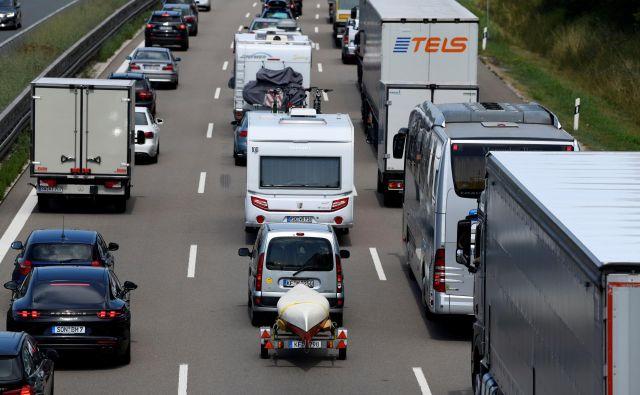 Nemški lastniki dizelskih vozil lahko rečejo, da imajo politično srečo. FOTO:Andreas Gebert/Reuters
