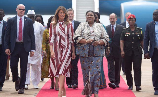 Melanija Trump je svojo afriško turnejo začela s srečanjem s prvo damo Gane Rebecco Akufo-Addo. Foto: AFP