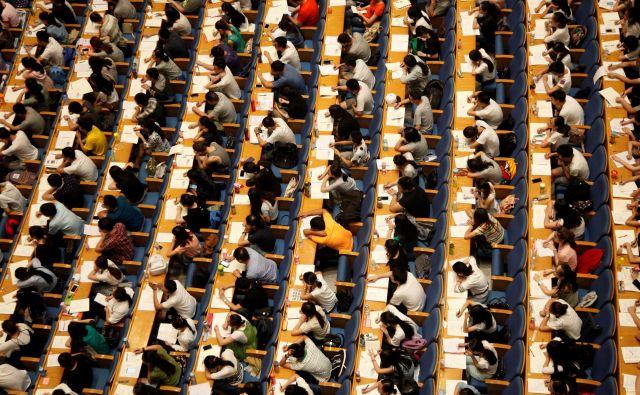 Vpis v srednjo šolo je prava drama, ko se prebijejo do vpisa na fakulteto, pa celotna generacija dijakov – pa tudi njihovih staršev – zapade v še posebno stresno stanje. FOTO: Reuters