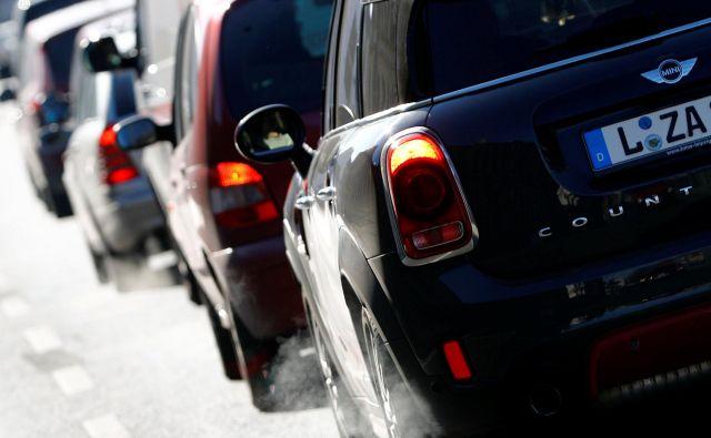 Evropski parlament močno pritiska na avtomobilsko industrijo v smeri ostrega zmanjšanja izpustov ogljikovega dioksida.<br /> Foto Reuters