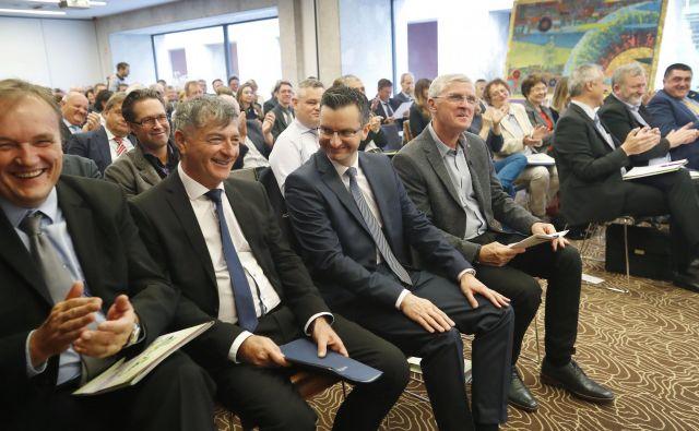 Na kongresu slovenskih občin so opozorili tudi na problem črpanja evropskih sredstev. FOTO: Leon Vidic/Delo
