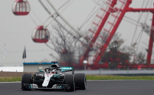 Lewis Hamilton še nikdar ni tako užival v dirkanju. FOTO: Reuters