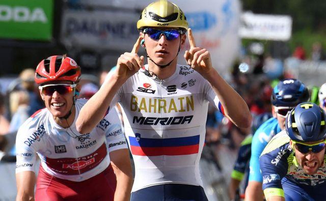 Matej Mohorič (v ospredju) bo imel leta 2019 pri Bahrainu Meridi pet slovenskih sotekmovalcev. FOTO: AFP