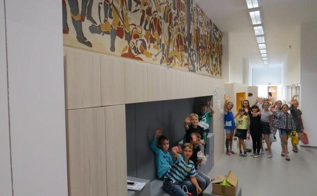 Učenci na Trebelnem so zelo veseli sodobne in prostorne šole. FOTO: Bojan Rajšek/Delo