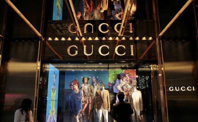 Nekatere luksuzne znamke, med njimi tudi Gucci, so letos na Kitajskem povečale prodajo za 30 odstotkov. FOTO: Reuters