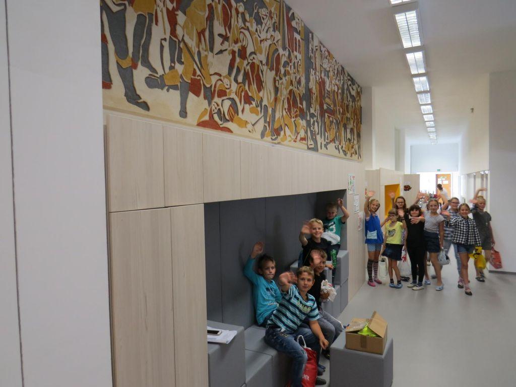 FOTO:Šola obnovljena, zdaj so na vrsti mladi pari