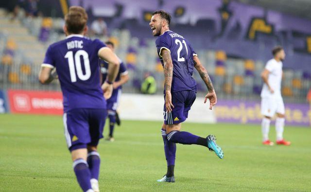 Amir Dervišević je devetim podajam v sezoni dodal tretji gol. FOTO: Tadej Regent/Delo