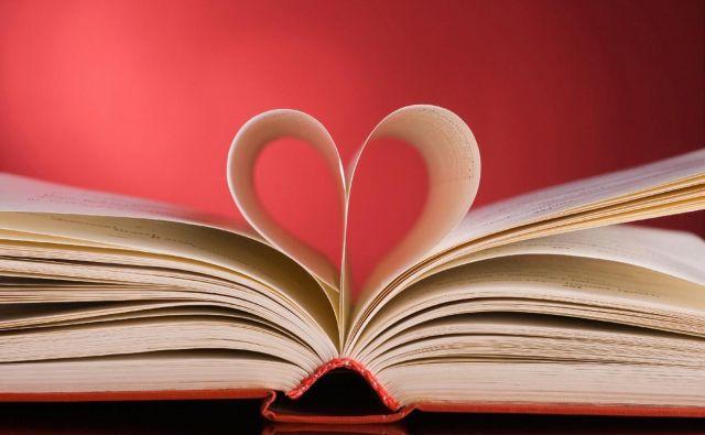 V najnovejših ljubezenskih romanih se romance ne spletajo več med sodelavci, ampak na nekem nevtralnem terenu. FOTO: Creative Commons