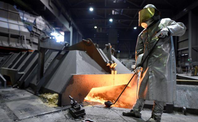 V Evropi je še vedno visoko povpraševanje po nemških izdelkih, a na svetovno izvozno rekorderko vplivajo globalne težave. Foto Reuters