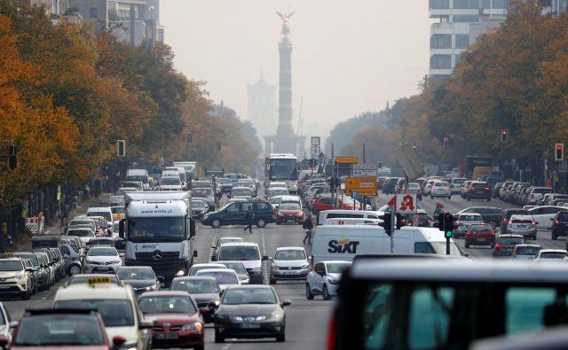 V Nemčiji bolj kot o izpustih CO<sub>2</sub> razpravljajo o prepovedi dizelskih avtomobilov v mestih, tudi v Berlinu. FOTO: REUTERS/Fabrizio Bensch