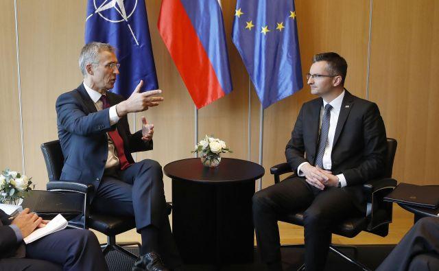 Generalni sekretar Nata Jens Stoltenberg se je sestal s premierjem Marjanom Šarcem. FOTO: Leon Vidic / Delo