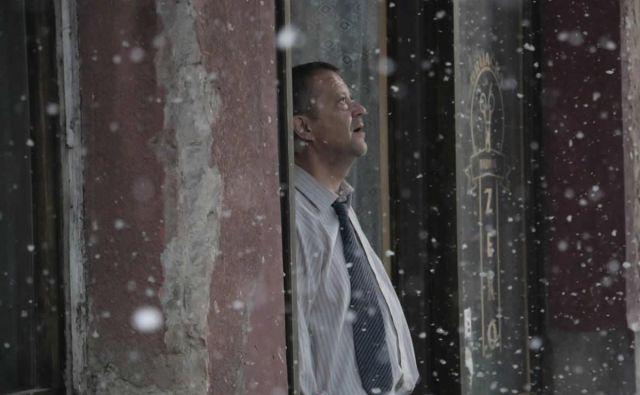 Emir Hadžihafizbegović: »Redko se zgodi, da igralec dobi vlogo, v kateri se tako surovo prepletata fikcija in njegova resnična osebna zgodba.« Foto arhiv Kinodvora