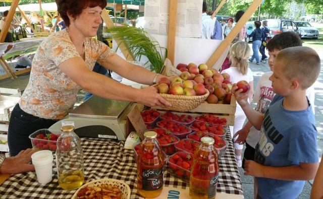 Ekotržnice tudi pri nas nudijo veliko zdrave hrane. Toda turisti iščejo pripravljene obroke iz ekološko pridelanih živil. Foto Janoš Zore