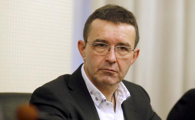 Boris Koprivnikar se je branil pred očitki o spornem dodeljevanju frekvenc, zaradi katerih mu je bila, kot je dejal, povzročena materialna in moralna škoda. FOTO: Blaž Samec/Delo