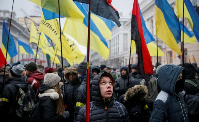 Shod v podporo razglasitve Rusije za agresorsko državo, ki je januarja leto potekal v Kijevu. FOTO: REUTERS/Gleb Garanich
