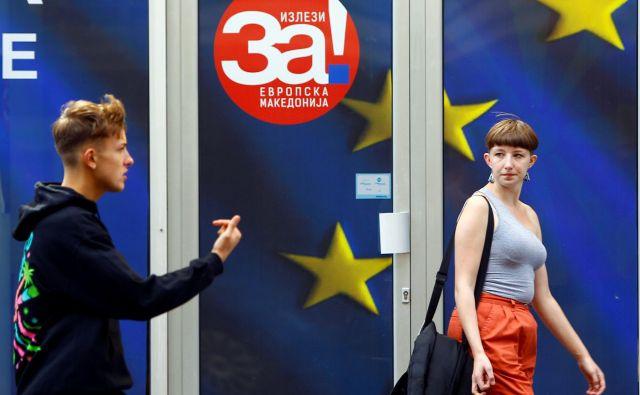 Izseljevanje mladih ni trend le v Makedoniji, temveč tudi v širši regiji. FOTO: Reuters