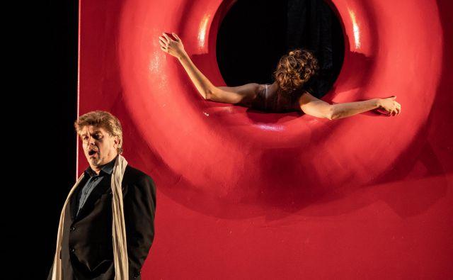 S premiero Hoffmannovih pripovedk bo Branko Robinšak v naslovni vlogi slavil 35 let uspešne kariere na opernih odrih. FOTO: Darja Stravs Tisu