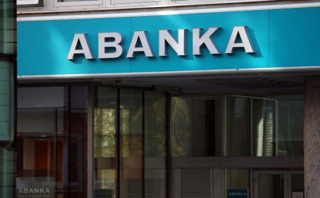 Abanka je druga največja banka v državi, prodana bo strateškemu vlagtelju. Foto Jože Suhadolnik
