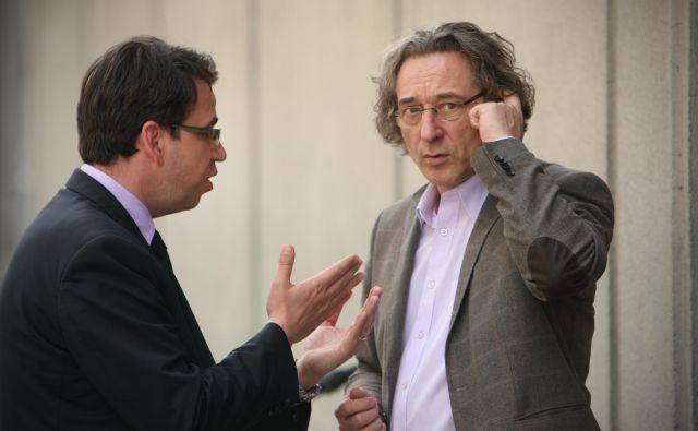 Vodja vladne skupine Peter Pogačar (L) in Branimir Štrukelj še ne bosta sedla za pogajalsko mizo. Foto Jure Eržen/delo