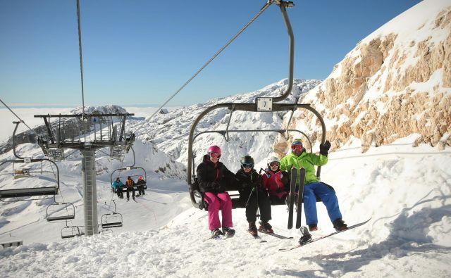 V Sončnem Kaninu zagotavljajo, da lahko žičnice poženejo jutri, če bi zapadel sneg. Foto Jure Eržen