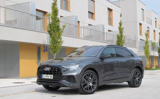 Audi Q8 je atraktivno zasnovan športni terenec, ki meri na kar nekaj slovenskih kupcev. FOTO: Blaž Kondža