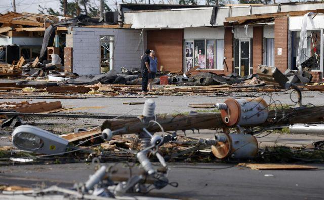 Posledice orkana v Callawayu. FOTO: Reuters