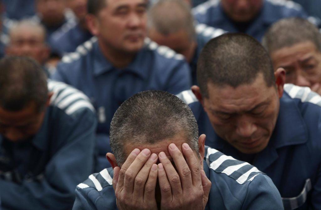 »Izginotja« po Kitajsko: ko se ljudje vdrejo v zemljo, pa nihče nič ne reče